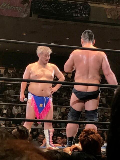 新日は宝塚、DDTは地下アイドル……両プロレス団体の違いを考える